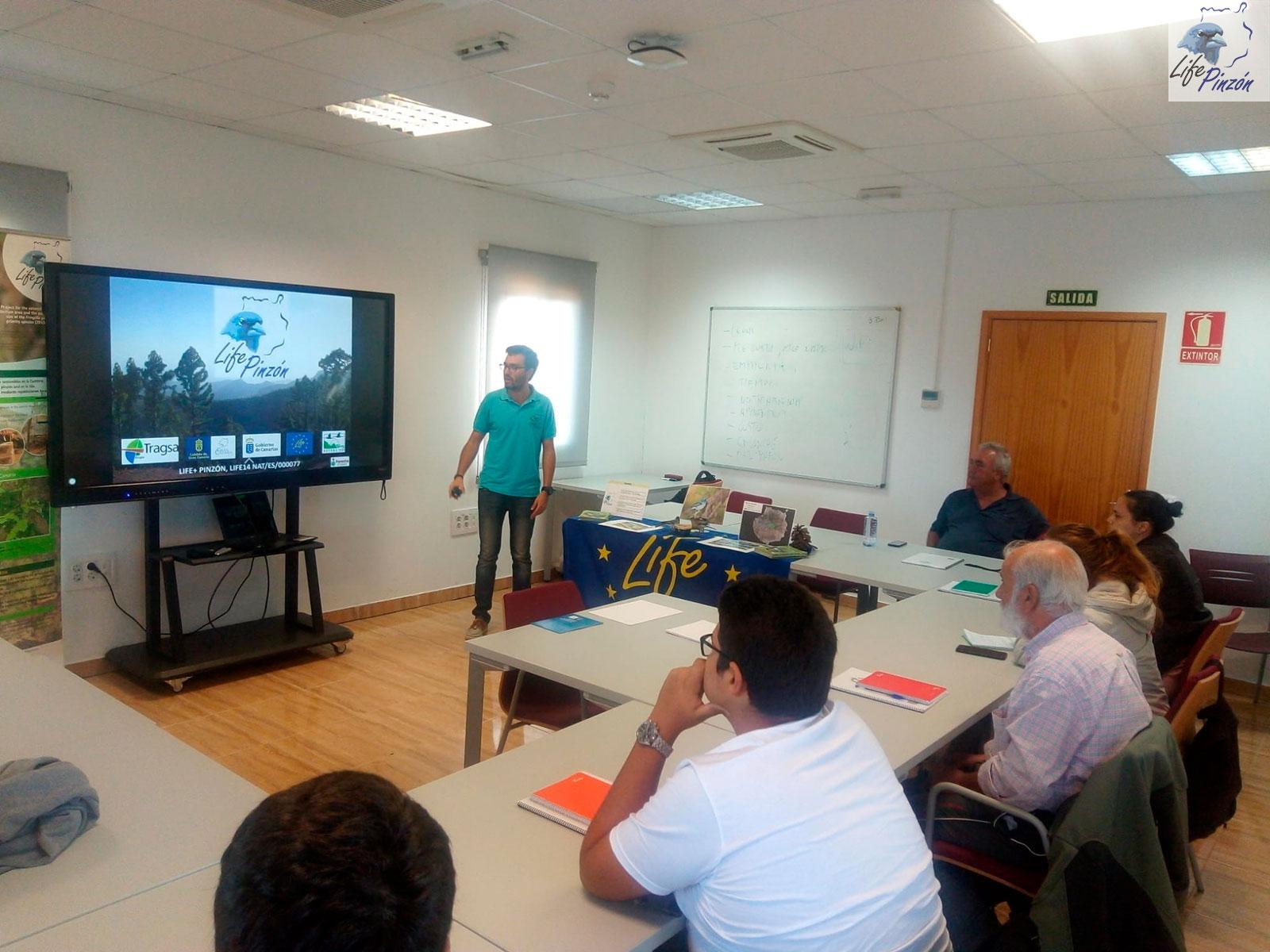 La Escuela de Ganadería y Pastoreo del Cabildo de Gran Canaria recibe al proyecto LIFE+ Pinzón18 Noviembre 2019